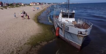 Новое судно потерпело бедствие на одесском побережье: кадры ЧП