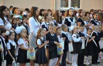 """МОН вынес долгожданный вердикт по школьным линейкам: """"Предлагаем 1 сентября...."""""""