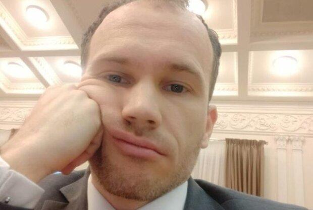 """""""Боже, когда это все кончится"""": министр Малюська показал украинцам, как трудится в выходной день"""