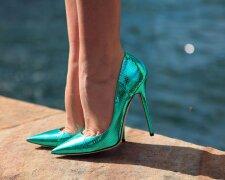 ноги в туфлях, женские ноги