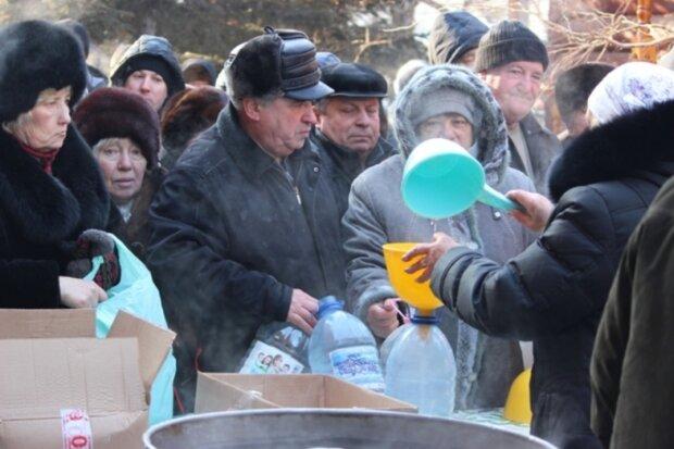 """Город под Днепром на грани экологической катастрофы, закрыты школы и детсады: """"в воде нашли..."""""""