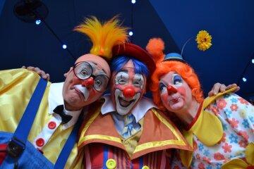 цирк, клоуны