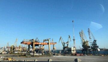ЧП в одесском порту, полиция сообщает о крупной краже: кадры с места событий