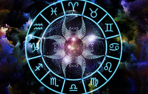Павел Глоба рассказал, кому из знаков Зодиака скоро повезет: денег будет куча