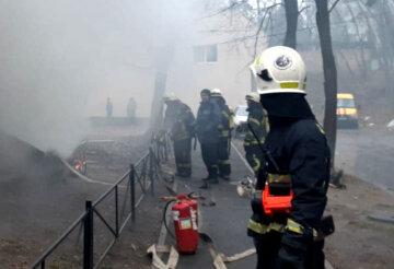 """Мощный взрыв прогремел в Киеве, съехались спасатели: """"Выбиты стекла, закопчены..."""""""