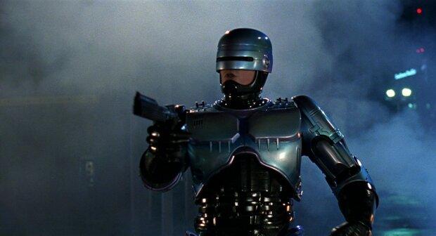Роботів-поліцейських озброять електрошокерами