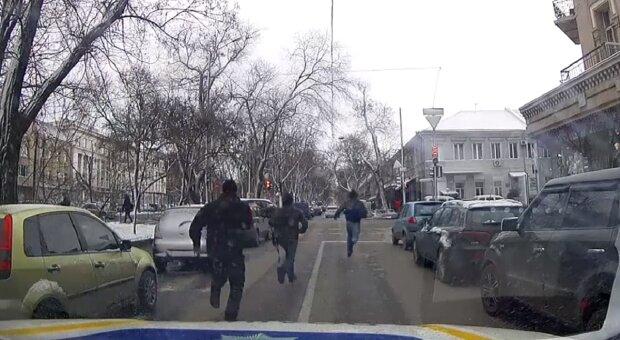 Поліція влаштувала погоню в центрі Одеси: відео переполоху