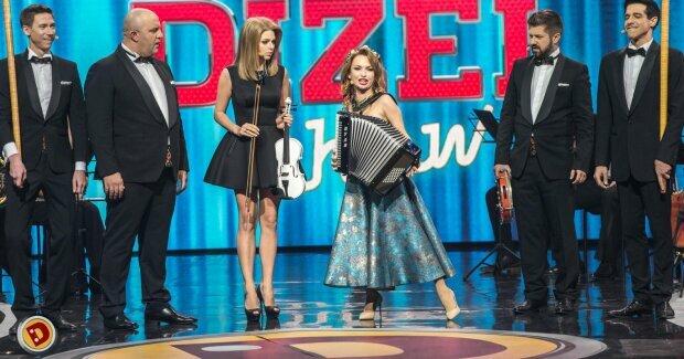 «Марины Францевны не хватает»: звезды «Дизель шоу» примерили новогодние наряды, заинтриговав сообщением