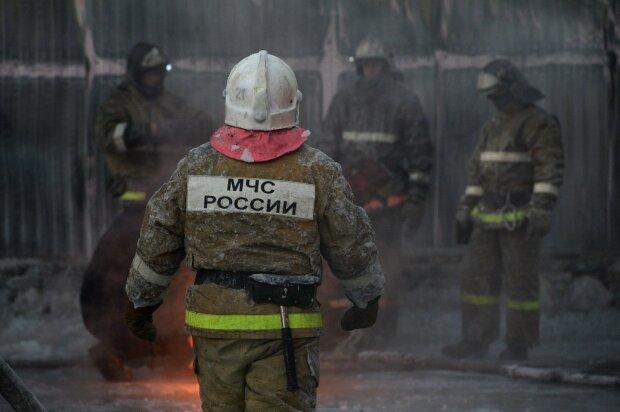 Пожарный-спасатель-МЧС-Россия