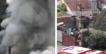 На Харьковщине сгорела фермерская техника, фото: слетелись спасатели