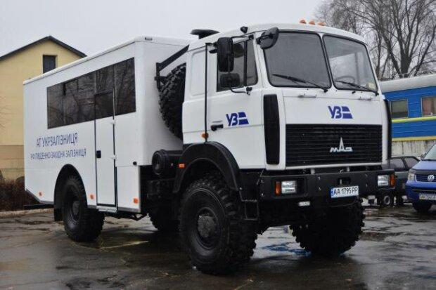 ЮЗЖД продолжает готовиться к зиме, закупая спецавтомобили МАЗ для аварийных бригад, - Веприцкий