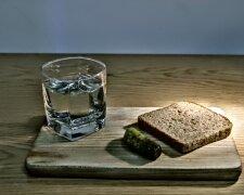 бедность-хлеб и вода-продукты