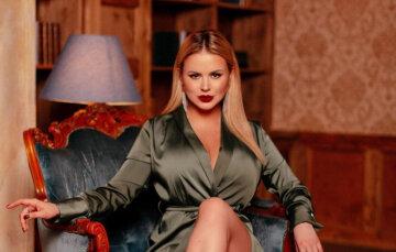 """Фигуристая Семенович испытала белье на прочность, выбрав неподходящий размер: """"Вот это тигрица"""""""
