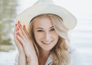 """Блондинка из """"Женского квартала"""" устроила дефиле в купальниках со своими девочками: """"Было весело"""""""