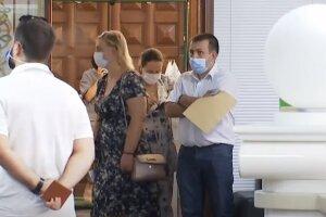люди карантин очередь украинцы маски