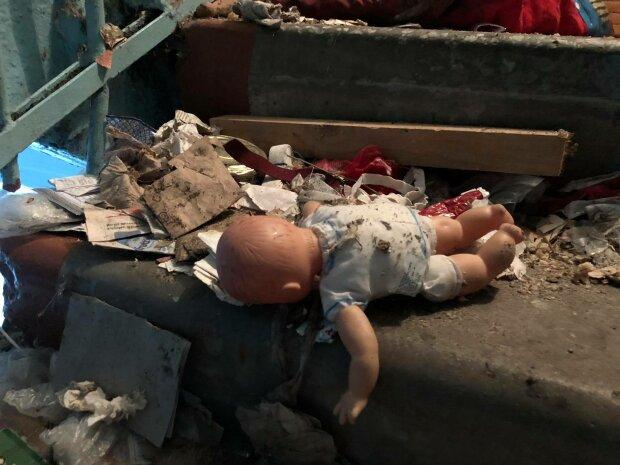 ребенок мусор