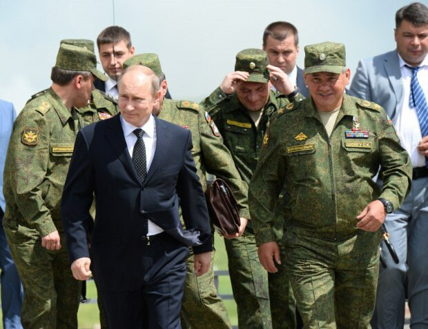 """""""Зберігайте спокій і чистіть зброю"""": Путін оголосив термінову мобілізацію, що загрожує Україні"""