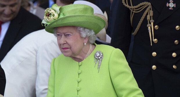 Королева Елизавета ищет домработницу