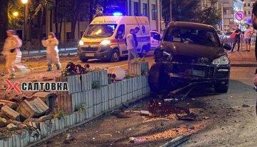 По стопах Зайцевої: у мотлох п'яний водій злетів з дороги в центрі Харкова, відео