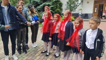 УПЦ провела благотворительную акцию, устроив концерт для 200 детей в Лавре