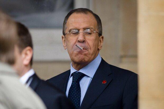 С Путиным и в изоляции: России объявили массовый бойкот, дипломаты бегут за чемоданами