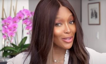51-летняя Наоми Кэмпбелл в объятиях знаменитого певца произвела фурор: «Поздравляем!»