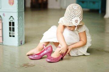 ребенок, девочка, каблуки, туфли, обувь