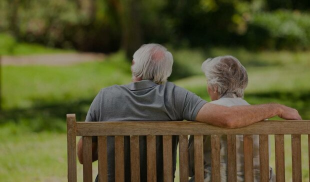 дедушка и бабушка пожилая пара любовь