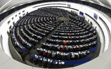 Евродепутатам представят доклад о безвизе для Украины