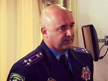 Экс-глава ГАИ избил волонтера (фото, видео)