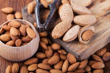 Брак кальцію: топ-5 рослинних продуктів, які замінять молоко