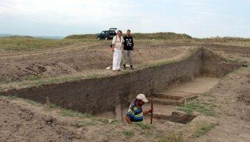 Під Одесою археологи відкопали божество: фото неймовірноі знахідки