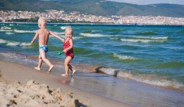 где отдохнуть на море осенью, болгария отдых пляж дети