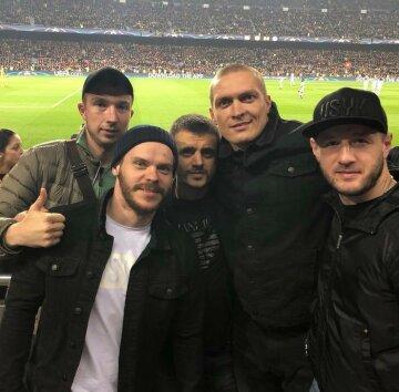 Усик на на матче Барселона–Челси: как проводят время кумиры миллионов