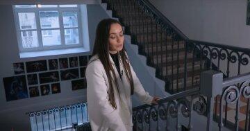 """Экс-муж Ксении Мишиной спустил ее с лестницы прямо в театре: """"Начала плакать и кричать"""""""