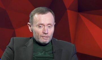 Пелюховський розповів про українську гіпер-багатопартійність: «зареєстровано понад 300 і з'являються нові»
