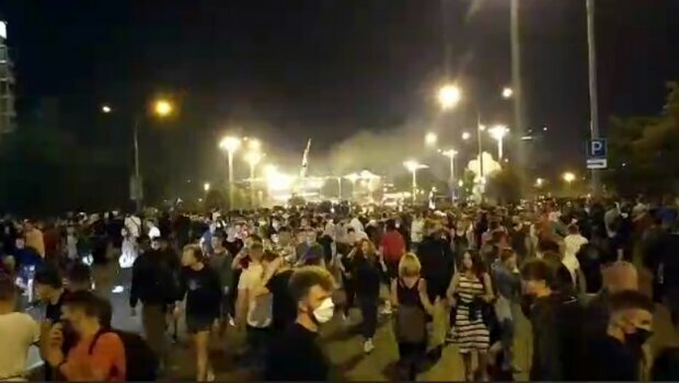 """Россияне могут выйти на улицы по всей стране вслед за Беларусью: """"Последствия будут масштабнее"""""""