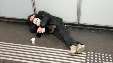 У Кернеса потребовали избавиться от бездомных: что стало последней каплей