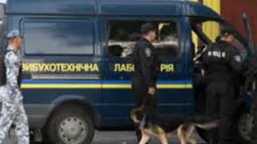 Массовая эвакуация людей и полиция повсюду: что происходит в Харькове