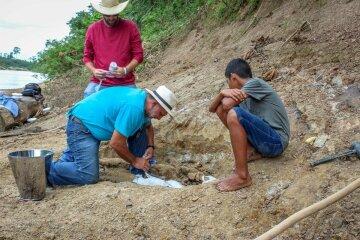 ученые, археологи