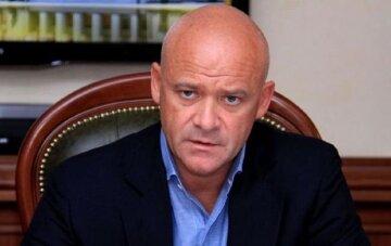 "В разгар карантина в Одессе Труханов  избавился от подчиненных: ""лишил всех..."""