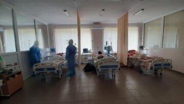 медики, палата, пацієнти