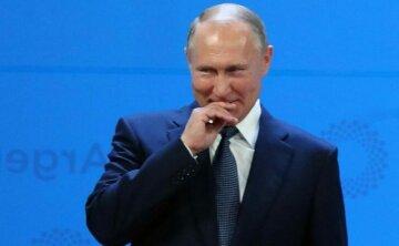 Путін знову взявся за старе: «поліз з поцілунками до…»