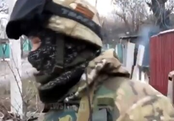 """""""Укропы, привет!"""": боевики ради забавы обстреляли многоэтажку на Донбассе, кадры"""