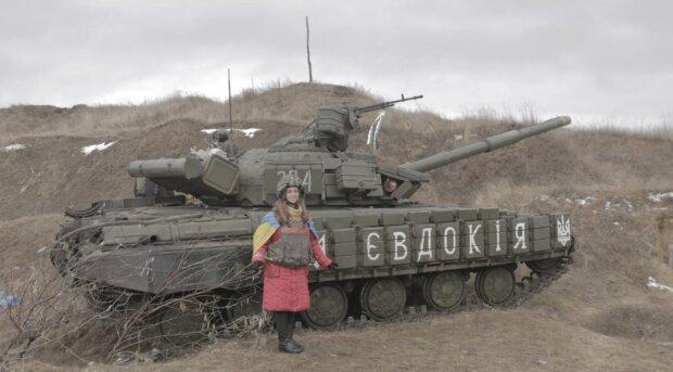"""""""Я буду тут стояти поки все не закінчиться"""": юна школярка з Донбасу довела до сліз бійців ЗСУ"""