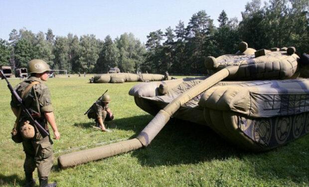 """У РФ похвалилися надувними винищувачами і танками: """"Росія сьогодні — супердержава"""""""