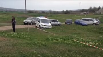 Под Одессой бесследно исчезла 13-девочка в черных очках: приметы и фото