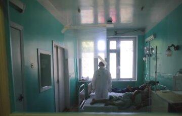Потрапила в нейрохірургію: у Києві розшукують родичів 72-річної жінки, фото
