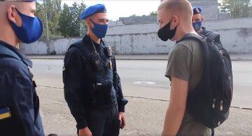 """В Одесі під виглядом нацгвардійців влаштували облави на людей: """"обшукують і грабують"""""""