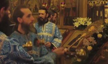 Похвала Пресвятой Богородицы: какая пища запрещена в этот день и почему нельзя венчаться